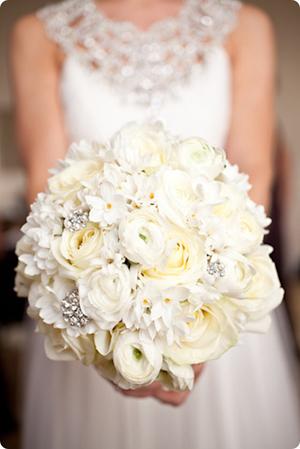 White-Wedding-Bouquet-Brides-